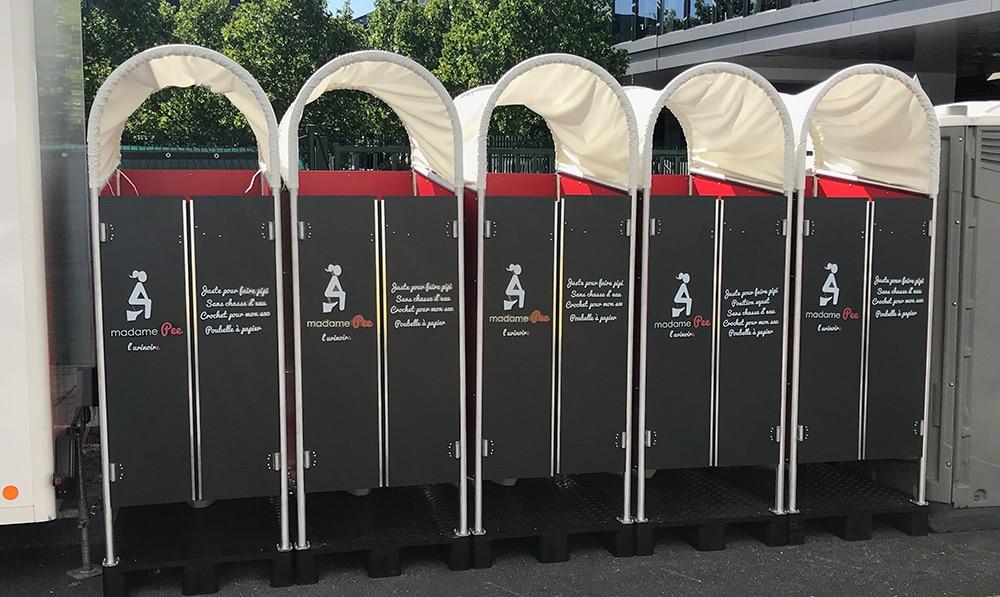Portes battantes de l'urinoire